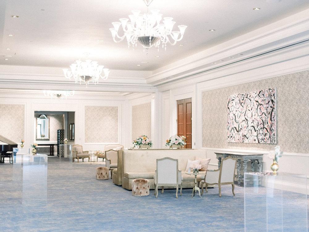 The Ritz Carlton Dallas TX Cocktail hour in foyer
