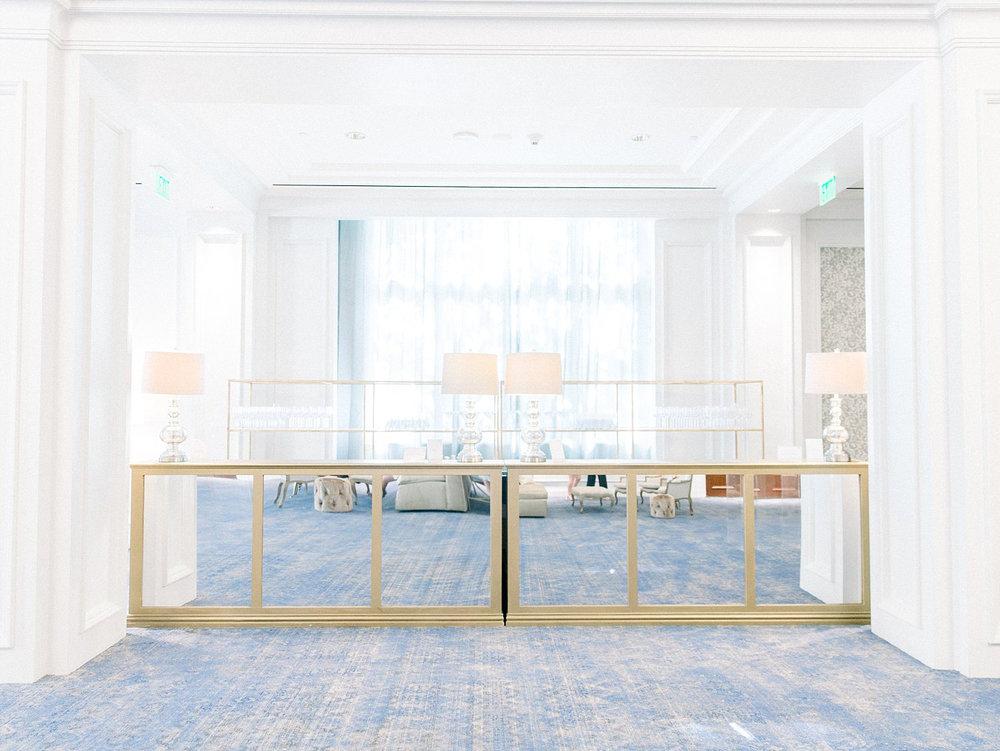 Gold mirror bar in Texas ballroom