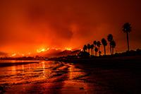 Photo of the Tomas Fire taken from a Santa Barbara beach.