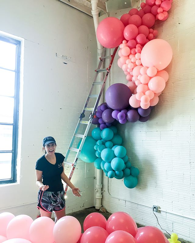 Have a colorful week! Steps 1, 2, and 3 from a bad-ass install @takeitbreezy and I worked on for @bigassballoons and @msindependentgp this week! Have some more BIG ones on the docket for this week so be sure to follow along! #balloongarland #houstonballoons #bigassballoons #balloonart #aTcSnaps