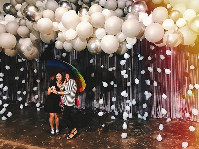Stay dry this week friends! I ended up not getting many photos of myself at @bigassballoons' Balloon Room POP Up so I'm stealing this photo my mother and sister took 😜 #bigassballoons #balloons #balloongarland #ighouston #balloonart