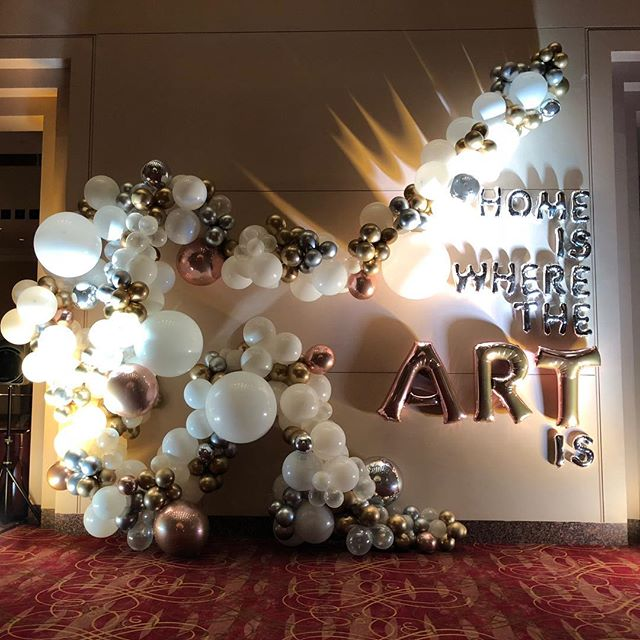 Art. ...Artist. ...I make my full time living off making art with balloons. ....is this REAL LIFE?! And also that fine arts degree put to use 😂🙌🏻🎈 Wonderful install from last night for @bigassballoons and the @worthamcenter. #houstonart #artislife #homeiswheretheartis #balloongarland #houstonballoons #balloonart #aTcSnaps #ighouston #createeveryday #herestothecreatives
