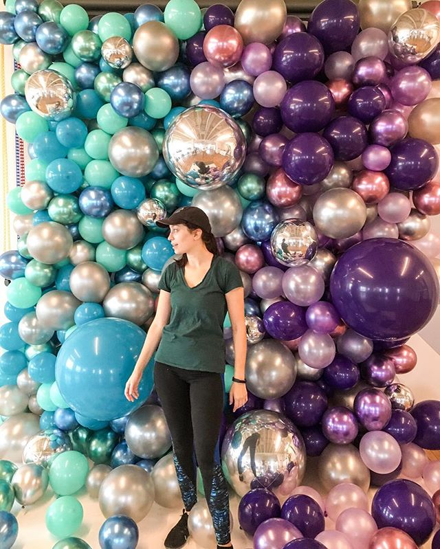 Another week and another super fun #BABGarland. @bigassballoons #aTcSnaps #balloons #balloongarland #balloonart #ighouston #houstonballoons #ballooninstallation #createeveryday #herestothecreatives #abmlifeiscolorful #abmcolor #houston #balloonsofinstagram