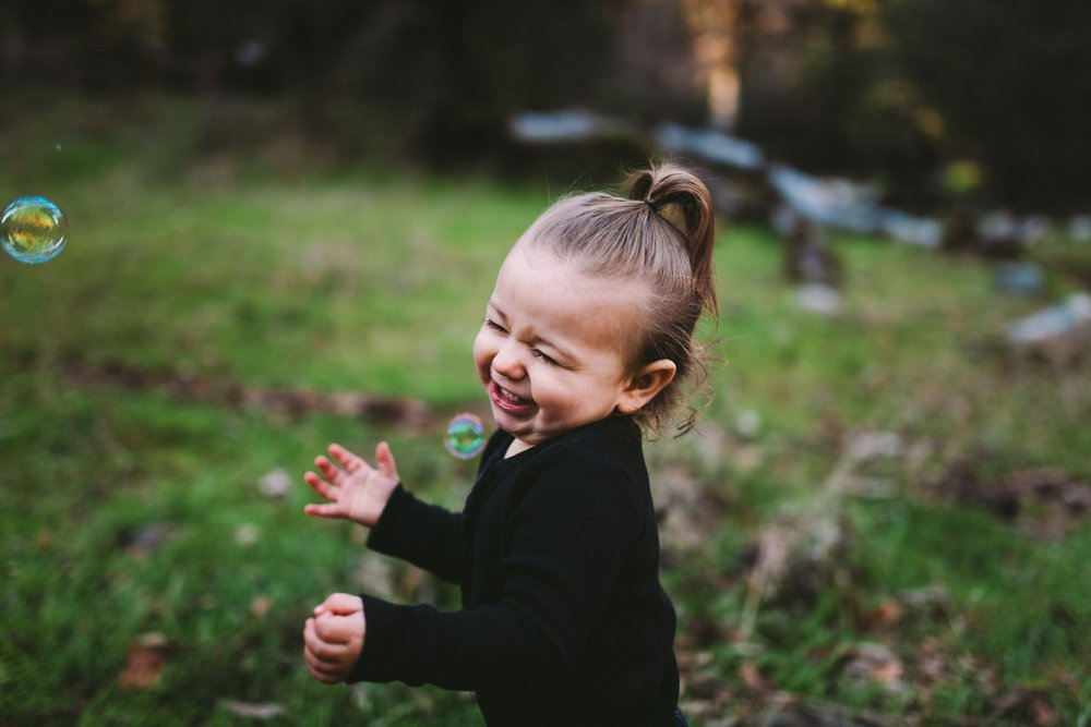 Toddler Loves Bubbles in Northern California Family Shoot