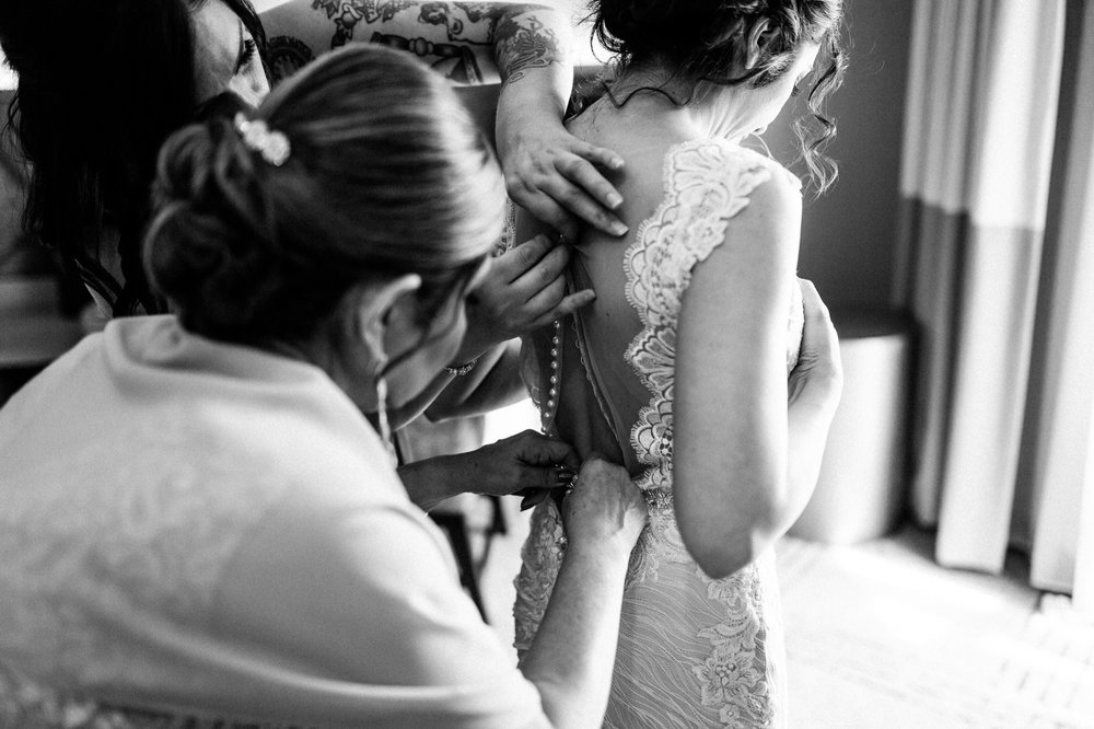 Sacramento Sutter Club & Capitol Building Wedding-18.jpg