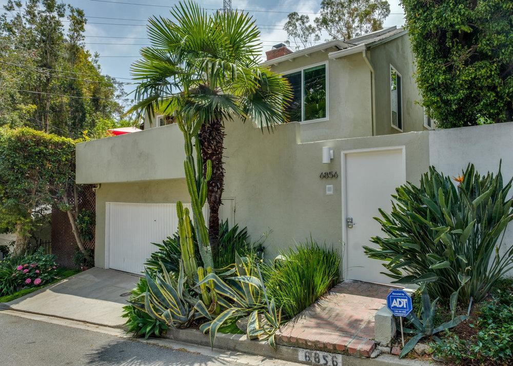 6856 Sunny Cove Los Angeles CA-large-022-25-6856 Sunny Cove23-1400x1000-72dpi.jpg