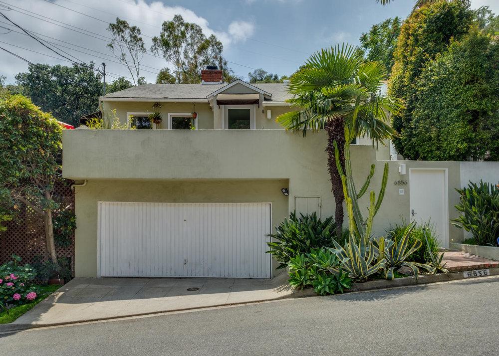 6856 Sunny Cove Los Angeles CA-large-023-17-6856 Sunny Cove24-1400x1000-72dpi.jpg
