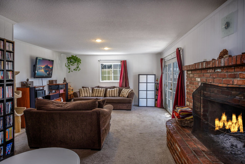 18808 Yukon Ave Torrance CA-large-002-6-Living Room-1500x1000-72dpi.jpg