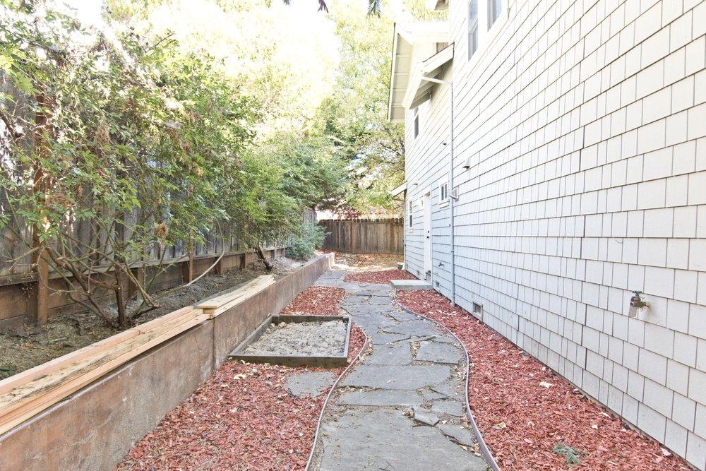 033 - Backyard.jpg