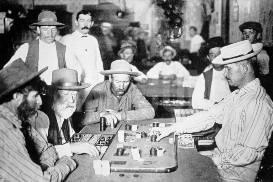 playing-faro-in-a-saloon-at-morenci-arizona-territory-1895_a-g-10077209-4990831.jpg