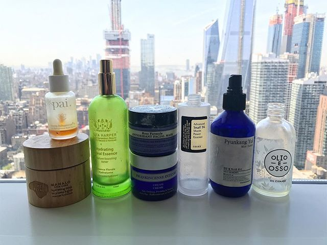 Glorious empties from the last few months. I've already repurchased most of these beauts. I switched out my night cream and oil for something a bit lighter/different for the NYC humidity nightmare to come. Also, I basically drink mists/toners for breakfast. ⭐️ 🌟  Lmk if you want to know specifics about any of these! @mahalo.care @paiskincare @tataharperskincare @nyr_official @cosrx @pyunkangyul @olioeosso -R