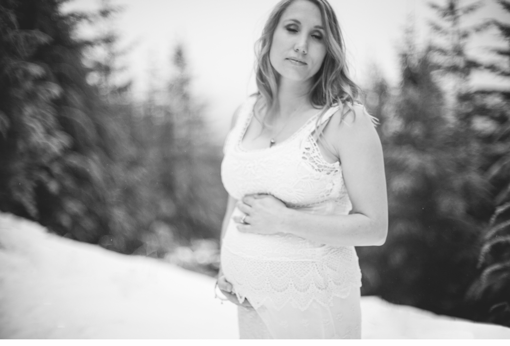 Seattle_ Adventure_Snow_Maternity_Photographer 3.jpg