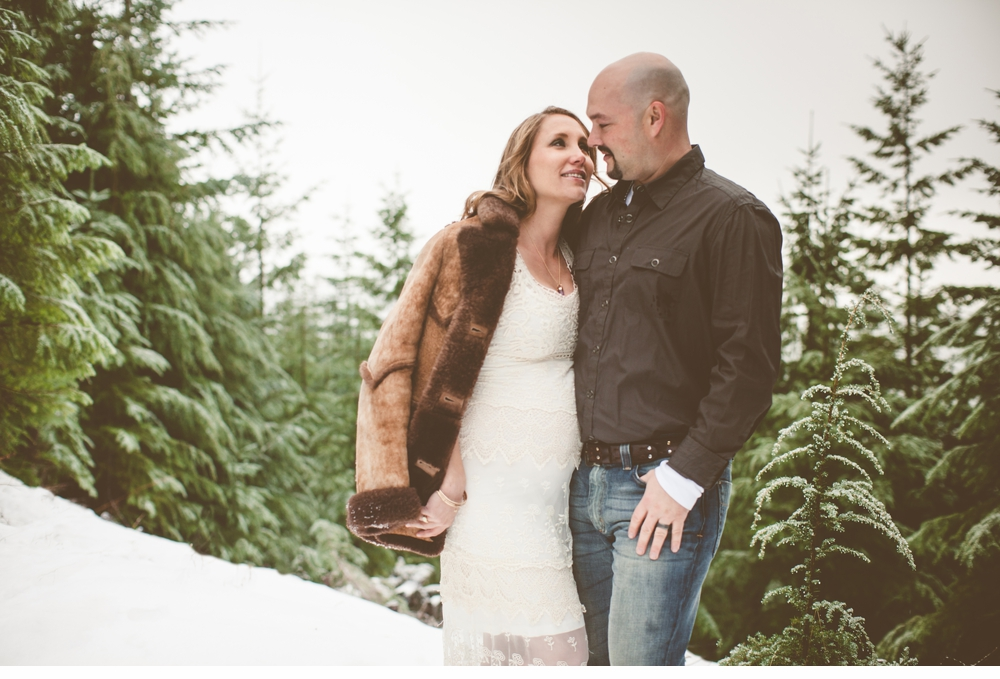 Seattle_ Adventure_Snow_Maternity_Photographer 8.jpg
