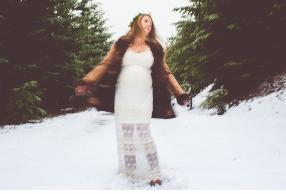 Seattle_ Adventure_Snow_Maternity_Photographer 10.jpg