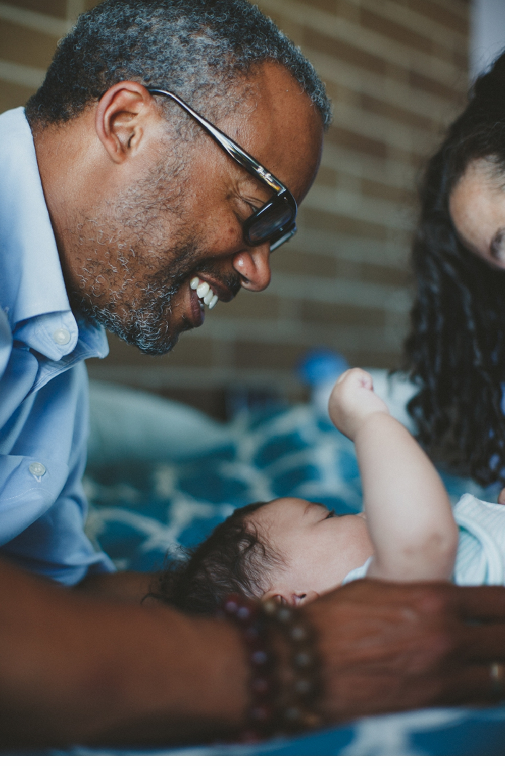 Seattle_Indoor_Lifestyle_Newborn_Family_Photographer 13.jpg
