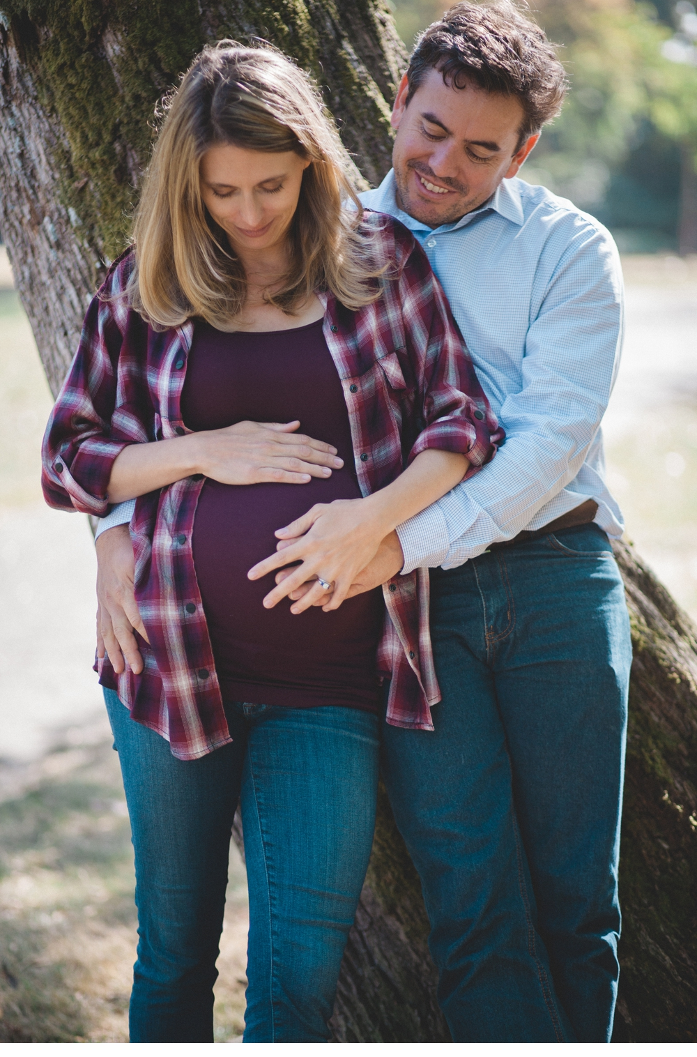 Seattle_Maternity_lifestyle_portrait_session_Seward_Park 16.jpg