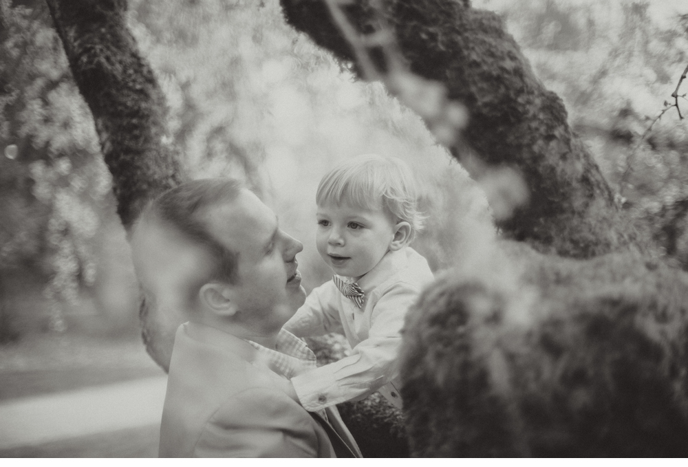 spring_Family_Lifestyle_Portrait_Session_Seattle_Arboretum_cherry_blossoms 11.jpg