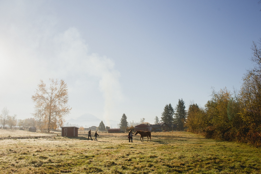 family_farm_fall_lifestyle_enumclaw_photographer 3.jpg