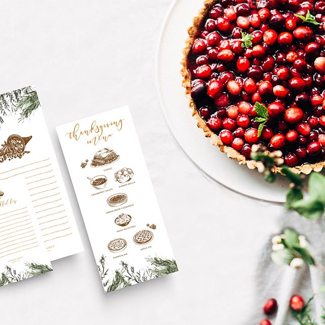 Just in time...These printable menu and thankful cards are essential for any Thanksgiving table! Look for them on the blog 🦃🍁🍂