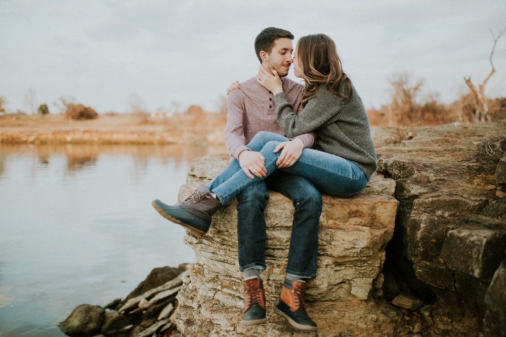 Brooke + Justin | Lake Grapevine Engagement Session