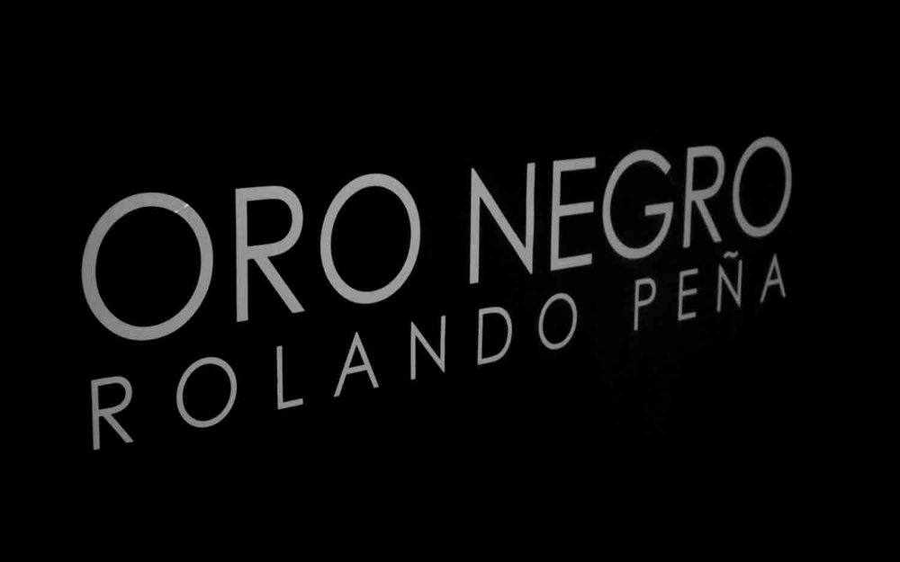 01_Solo_Oro-Negro_2.jpg