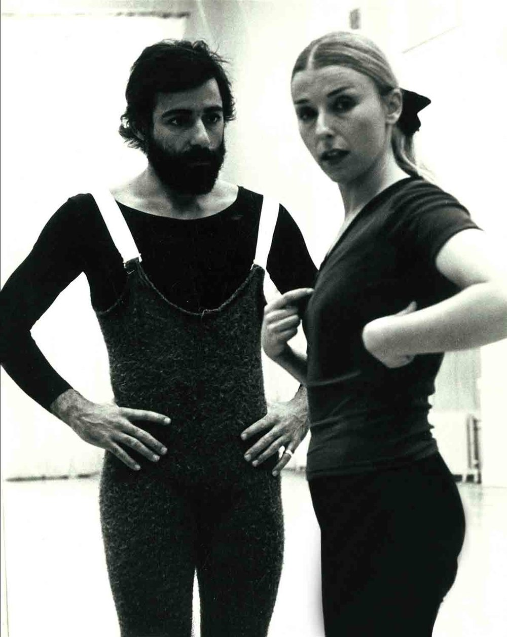 Rolando-Peña_03_Dance-Theater_Phyllis-Lamhut-Dance-Company_1_1969.jpg
