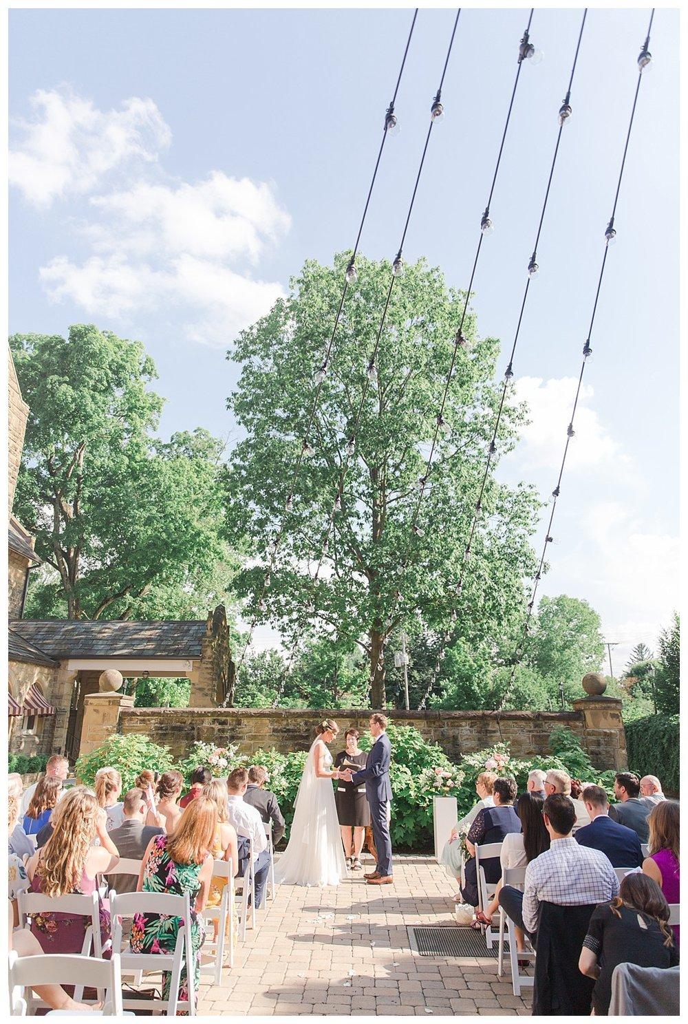 granville-inn-columbus-wedding-spring_0071.jpg