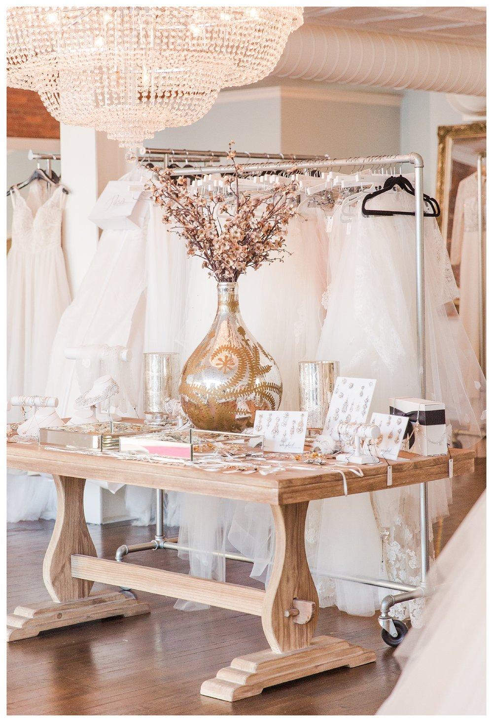 sara-gabriel-veil-columbus-wedding_0001.jpg