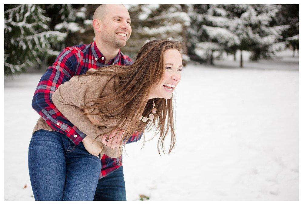 columbus-winter-engagement-photos_0035.jpg