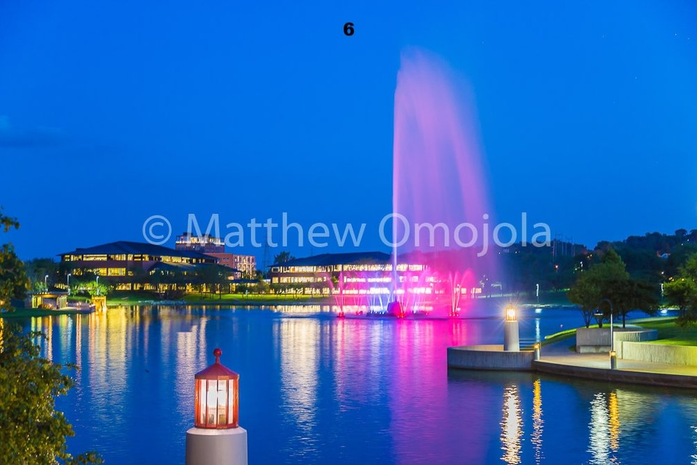 IMG_6827_Fountain_Heartland_Park_of_America_at_night_Omaha_NE.jpg