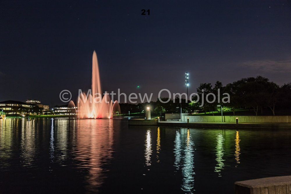 IMG_6870_Fountain_Heartland_Park_of_America_at_night_Omaha_NE.jpg