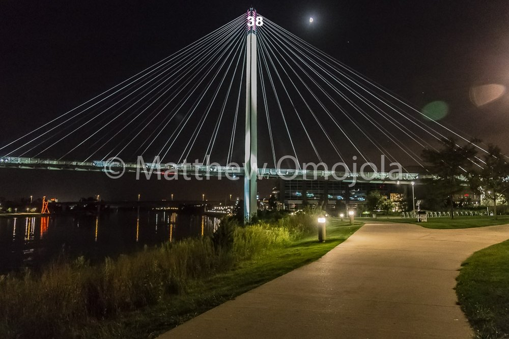 IMG_6908_Bob_Kerrey_Foot_bridge_Omaha_NE.jpg