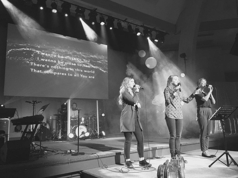 Worship BW.jpg
