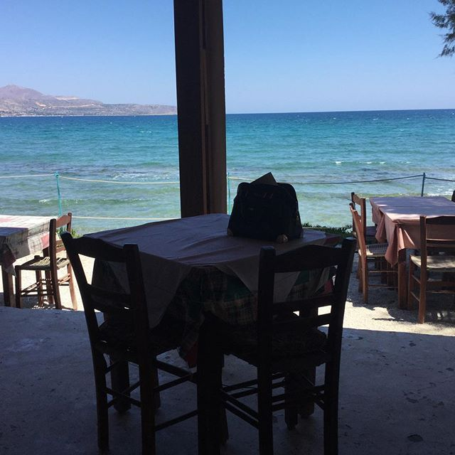 A table by the sea please...