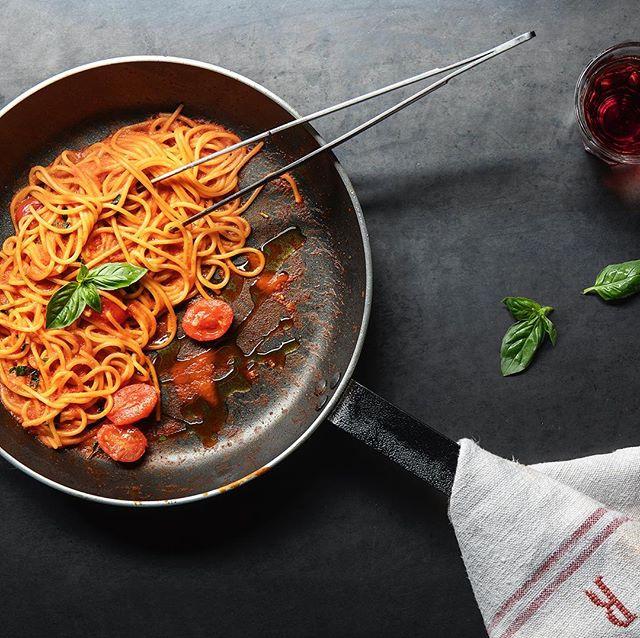 PRIMO PIATTO Il primo piatto di pranzo e cena. Semplicità e sapore. Spaghetto di grano Matt al pomodoro con burrata • • • #reteodorico #verona #italy #food #foodporn #foodphotography #spaghetti #pasta #primo #italian #restaurant