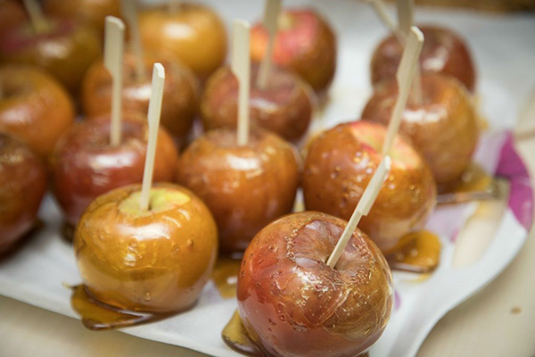 agape_banquet_apples_photo-nineelmslondon.com.jpg