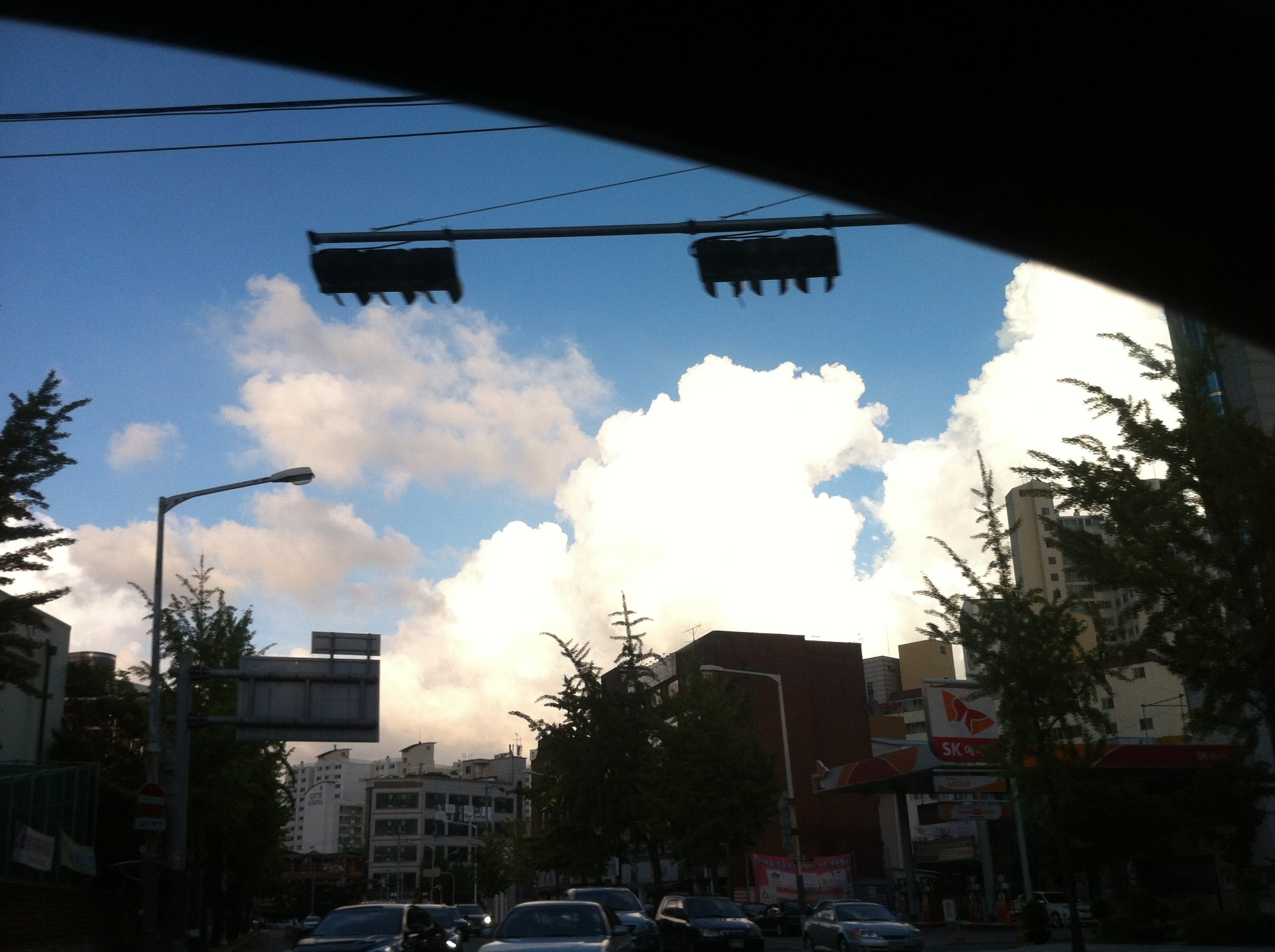 Seoul sky, from inside the taxi.