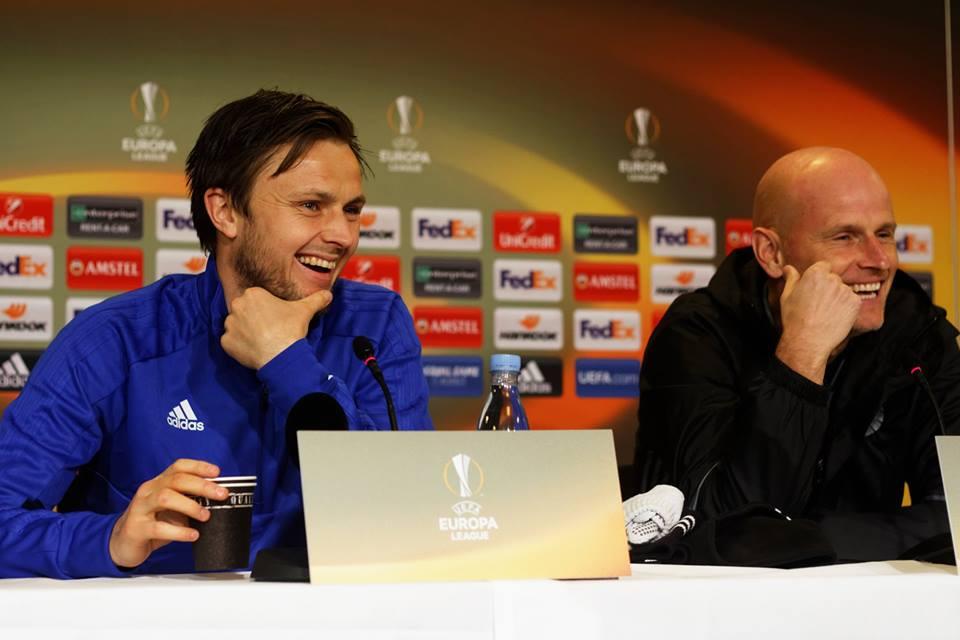 William Kvist og Ståle Solbakken på pressemødet forud for 1/16-finalen i Parken mod Atletico Madrid.