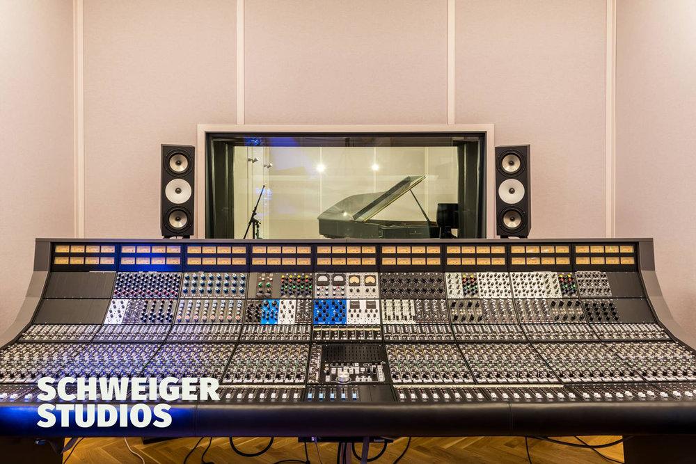 Gregor Console2.jpg