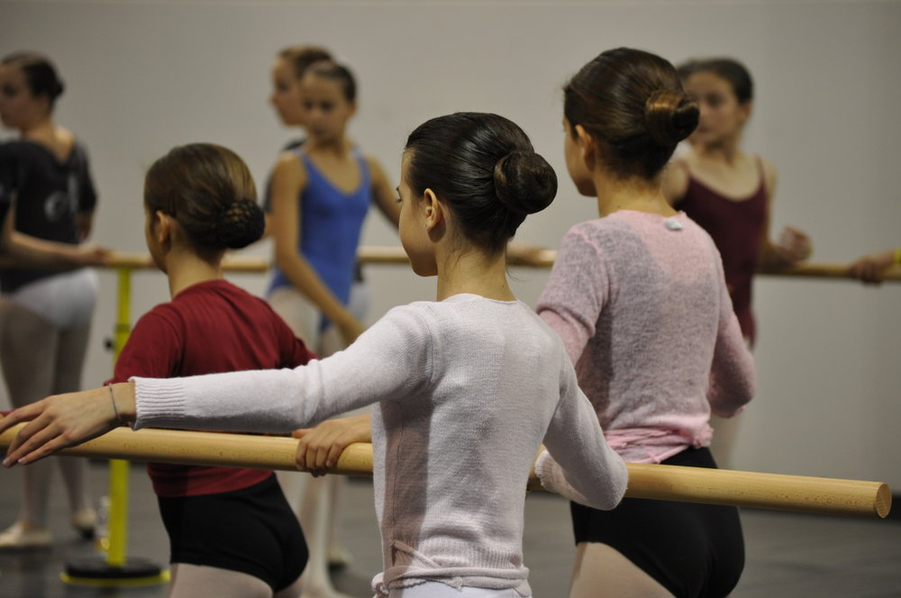 dancing-1236831-1919x1274.jpg