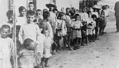 389px-Greek_and_Armenian_refugee_children_near_Athens,_1923.jpg