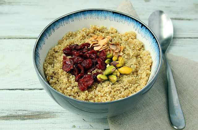 Quinoa 'Porridge' with fruit and nuts