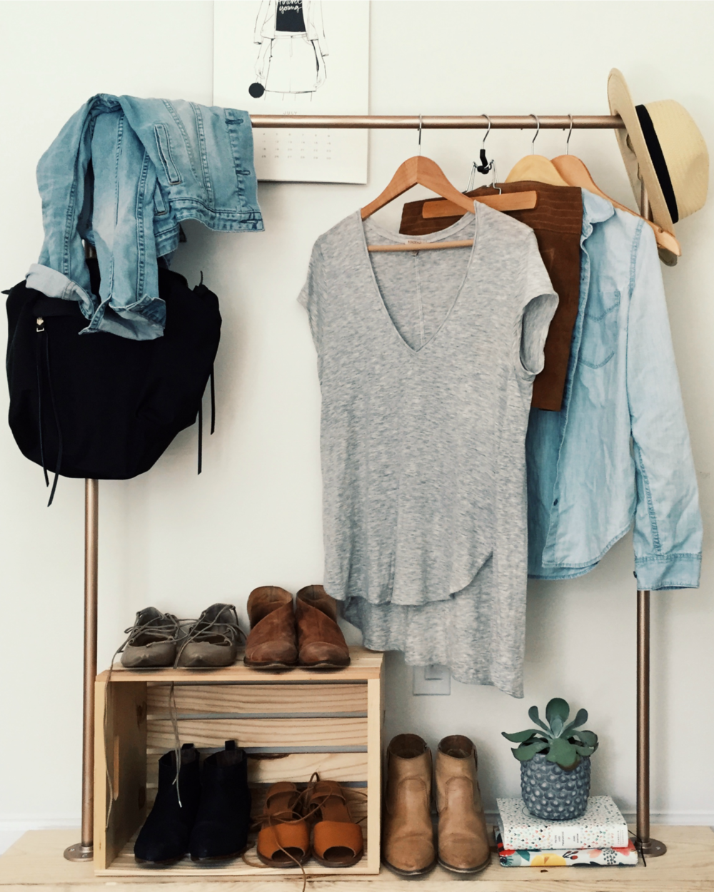 Clothing Rack DIY | @katelyn_now