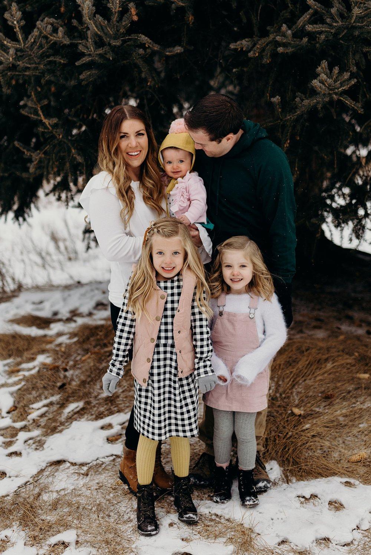 MacFarlane Snowy Winter Family Session_0002.jpg