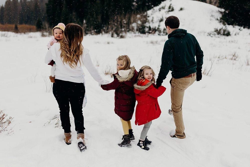 MacFarlane Snowy Winter Family Session_0004.jpg