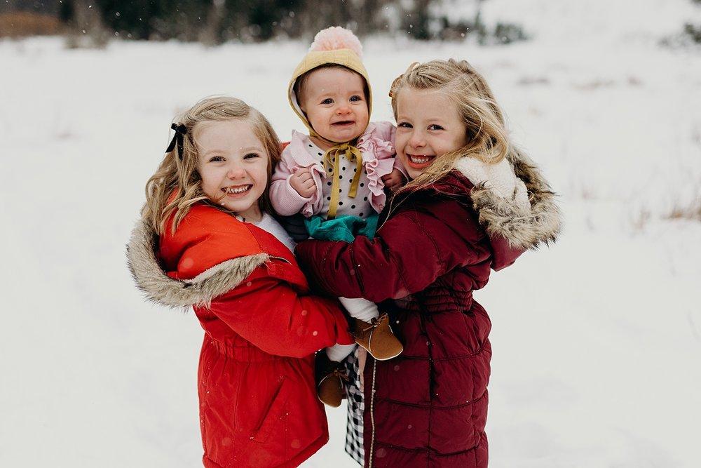 MacFarlane Snowy Winter Family Session_0007.jpg