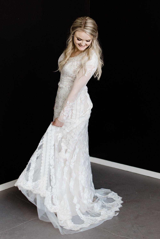 Zandra Barriga Photo - Devon and Kate's Glam Studio Bridals_0013.jpg