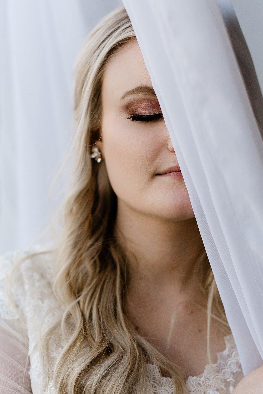 Zandra Barriga Photo - Devon and Kate's Glam Studio Bridals_0019.jpg