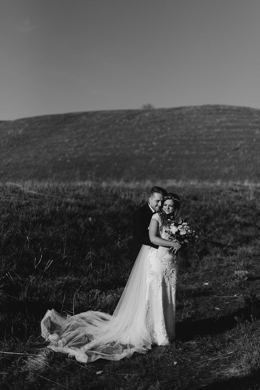 Zandra Barriga Photo - Dallas + Megan Green Hills Bridals_0001.jpg