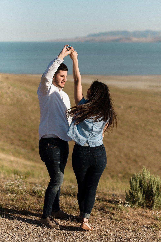 Zandra Barriga Photo - Jorge & Carolina | Sunrise Antelope Island Engagements_0016.jpg